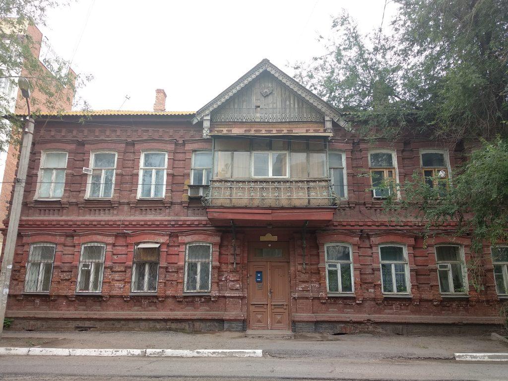 Астрахань Дом с деревянным балконом