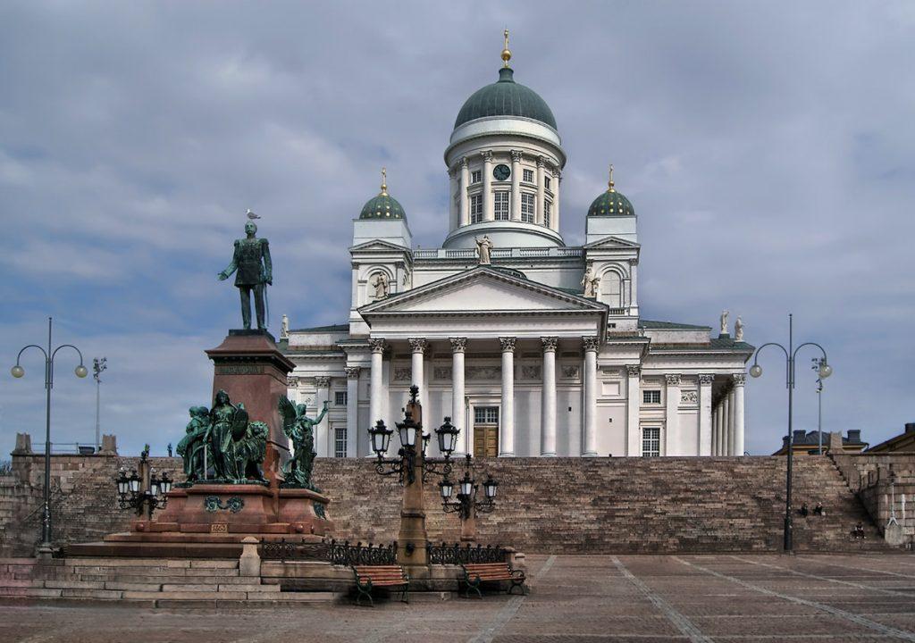 Сенатская площадь с Кафедральным собором