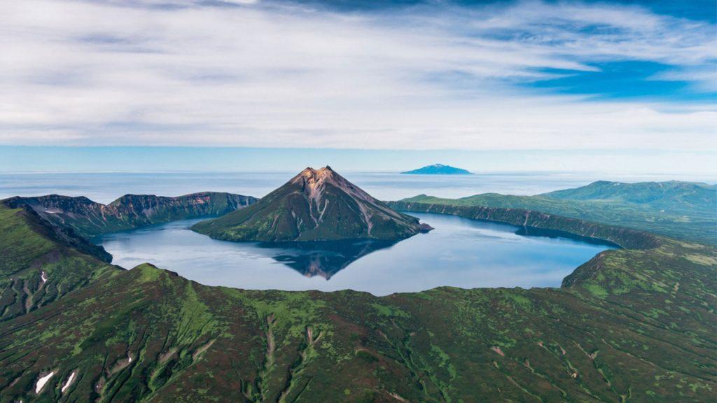 вулкан Креницина